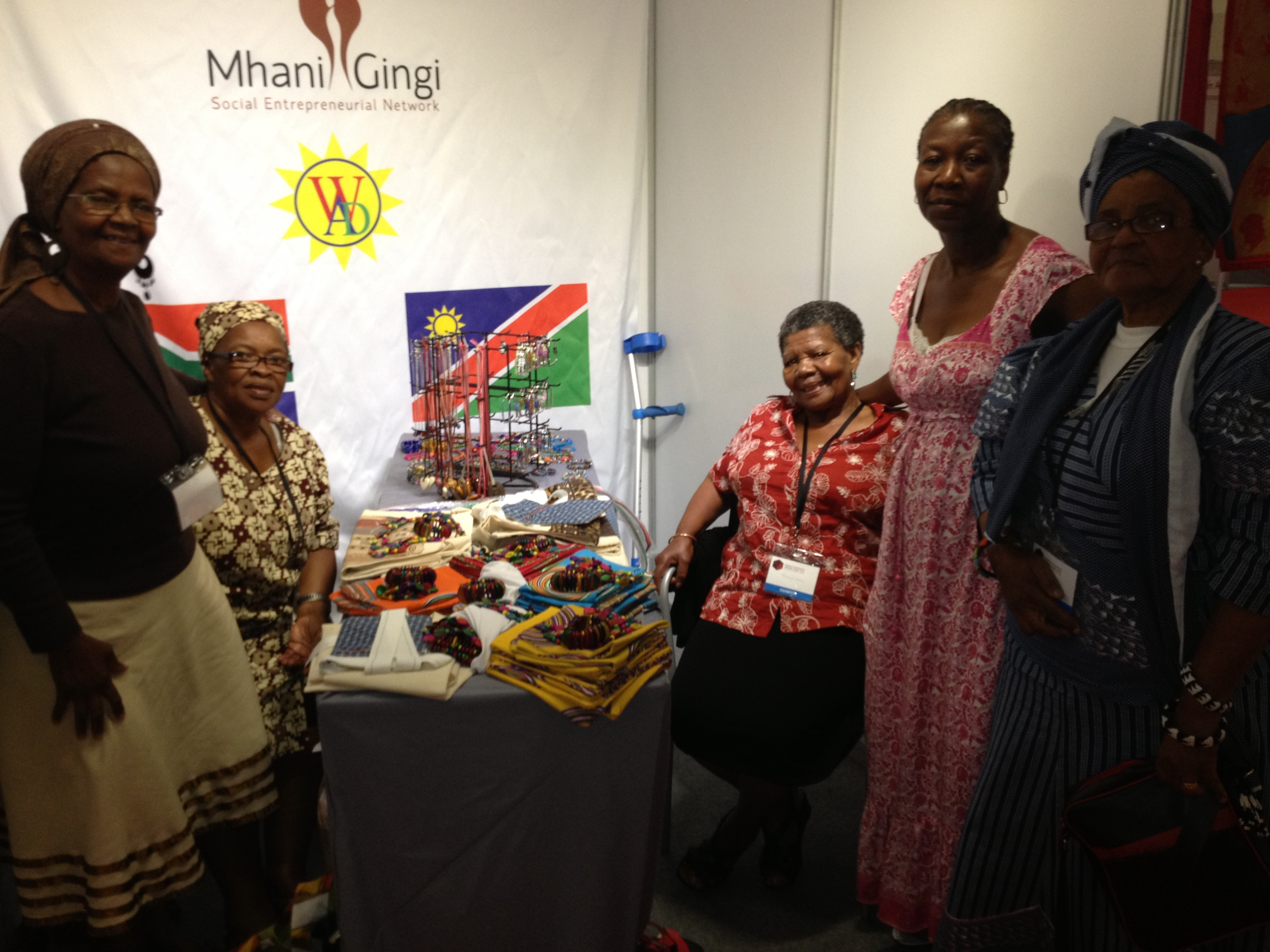 Fair Anita partners with women from Kwazulu-Natal who are skilled at handcrafted beadwork. Our partner group creates opportunity for many members who struggle with TB, HIV/AIDS, and poverty related issues.